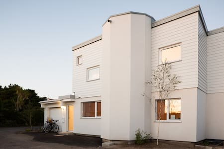 Spacious, light, new home, near sea and surf