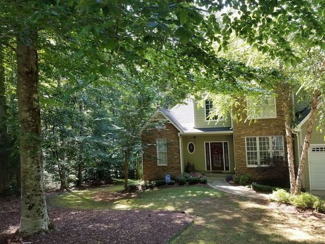 7 miles from Tryon International Equestrian Center