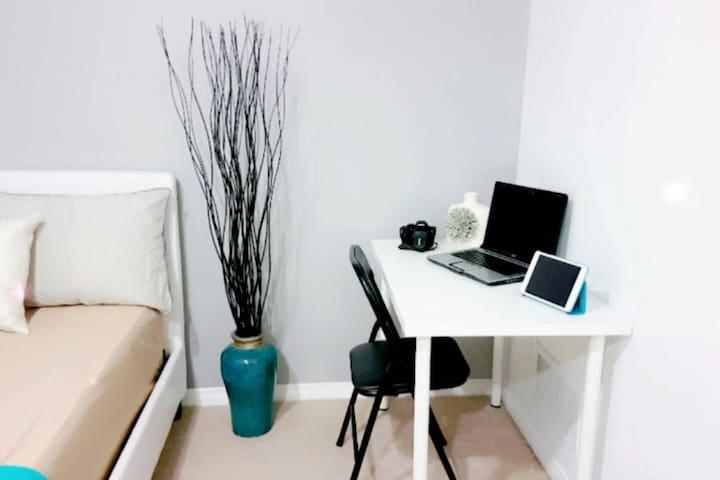 ❣❣|CLEAN, CHARMING & POSH Guest Suite | Private