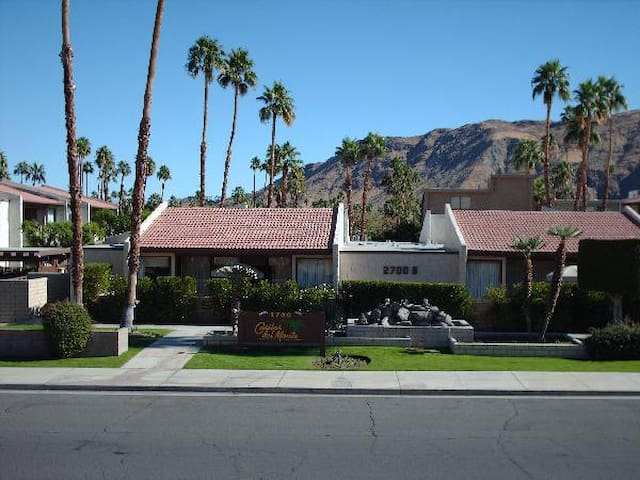 Palm Springs - 2bdrm Condo - Stagecoach 2018!