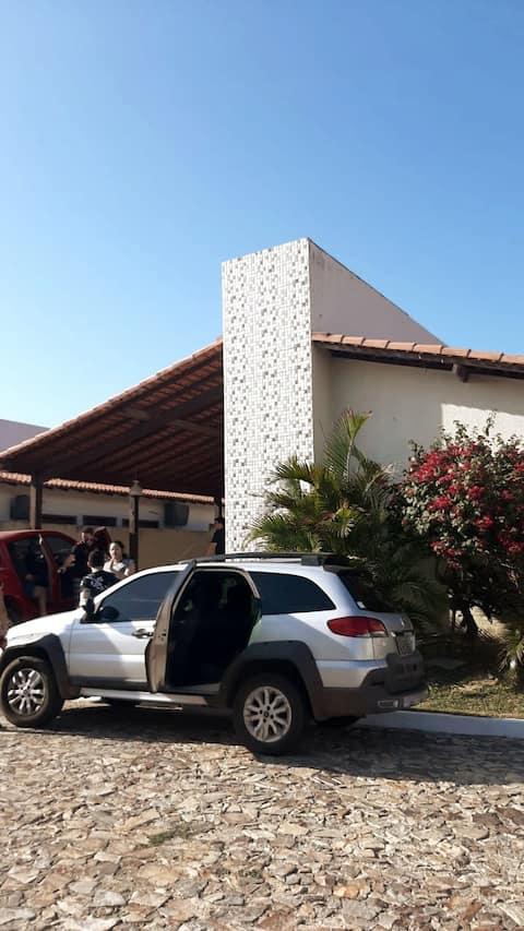 Casa em condomínio  prox. a Praia Peito de Moça