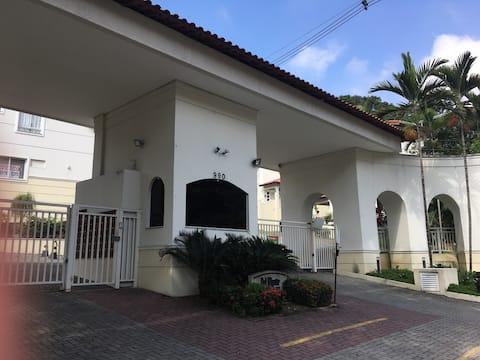Ótima Casa - Vista, Conforto, Segurança e lazer