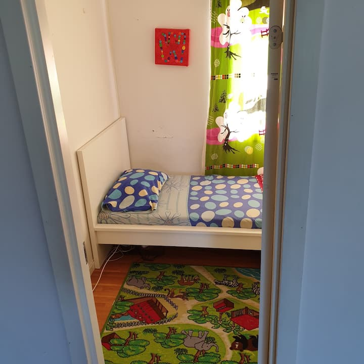 Single Room & Bed for longterm in shared area (2)