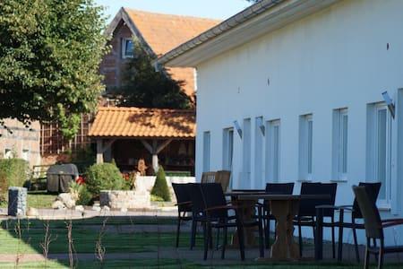 Gemütliche Ferienwohnung in Texas bei Hagenow - Kirch Jesar