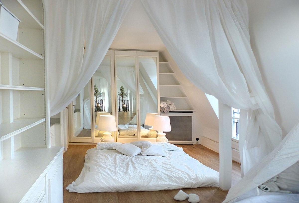 Bright Loft Of 60m2  Close To Champs Elysées And Parc Monceau   Lofts For  Rent In Paris, Île De France, France