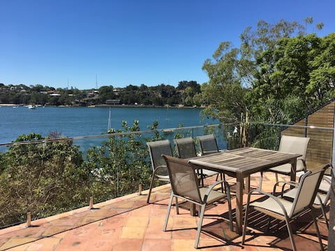 Big waterfront unit Birchgrove great views