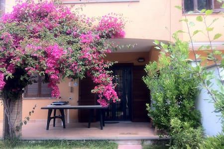 Villa Anzio 100 metri dal mare - Anzio - Vila