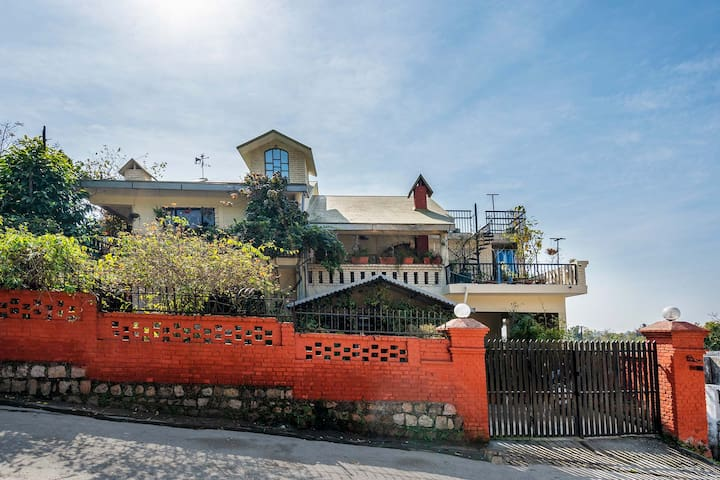 Gorayya Villa 1BR - DISINFECTED BEFORE EVERY STAY