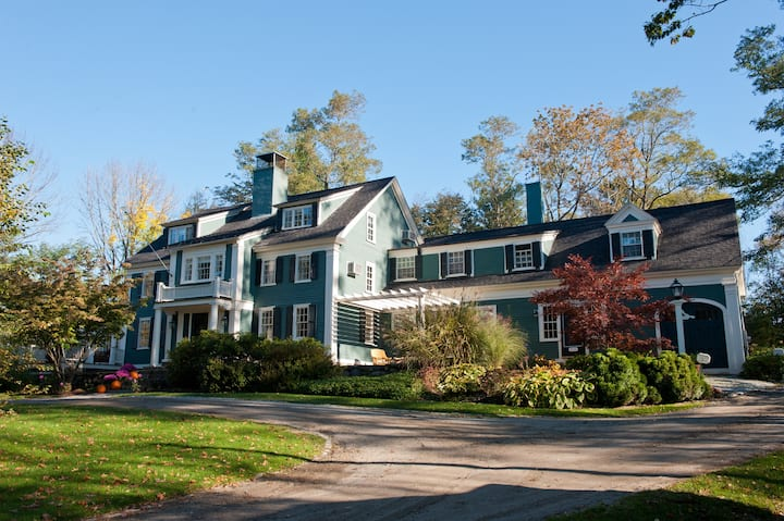 Harbor Crest Inn (Pet Friendly)
