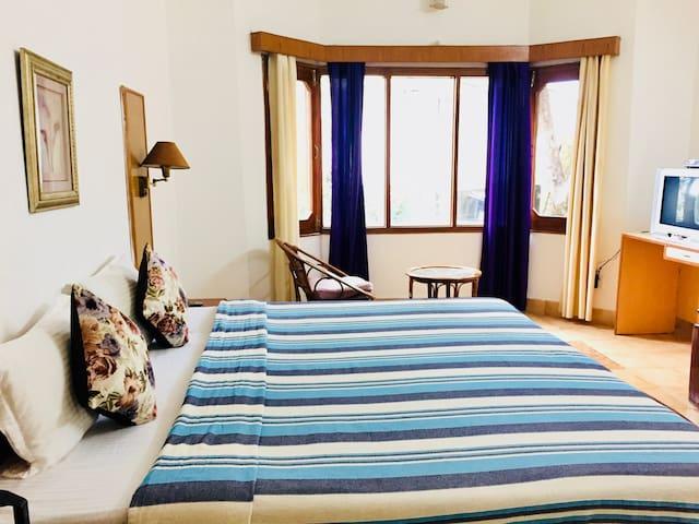 Tapovan Taittriya Single Occupancy Room