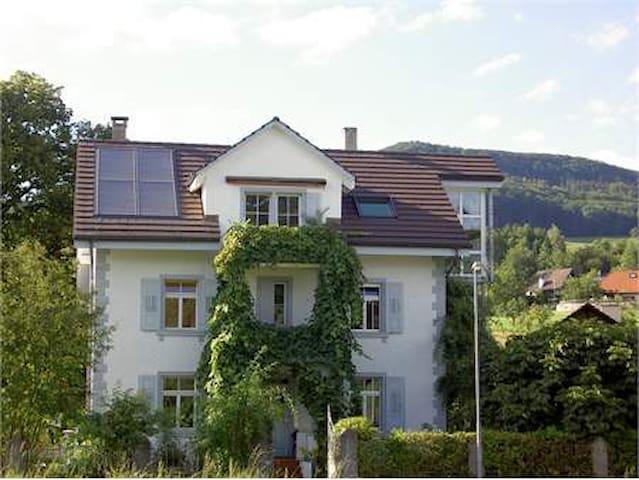 Doppel-Zimmer in Jugendstilhaus auf dem Land