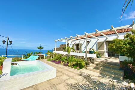 Exclusiva Casa Canaria con Magníficas Vistas