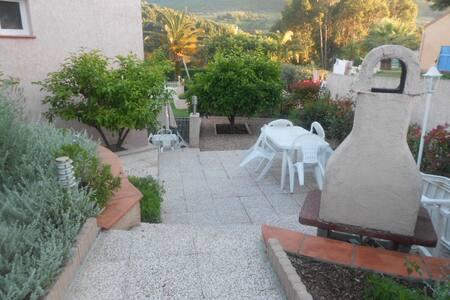 appartement indépendant type F2 proche d'Ajaccio - Alata