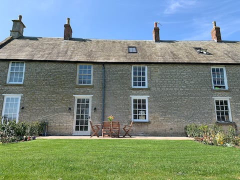 Charming Grade II Listed Isabella Cottage