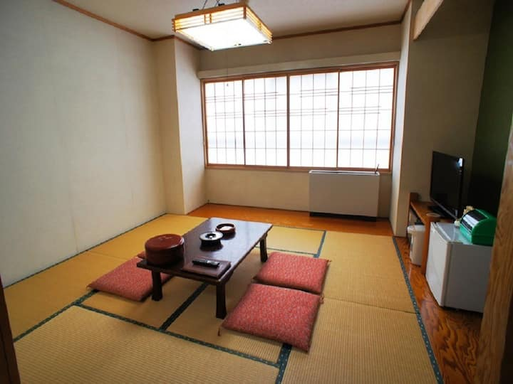 6 tatami mats Japanese room+Bathroom/1-3 guests