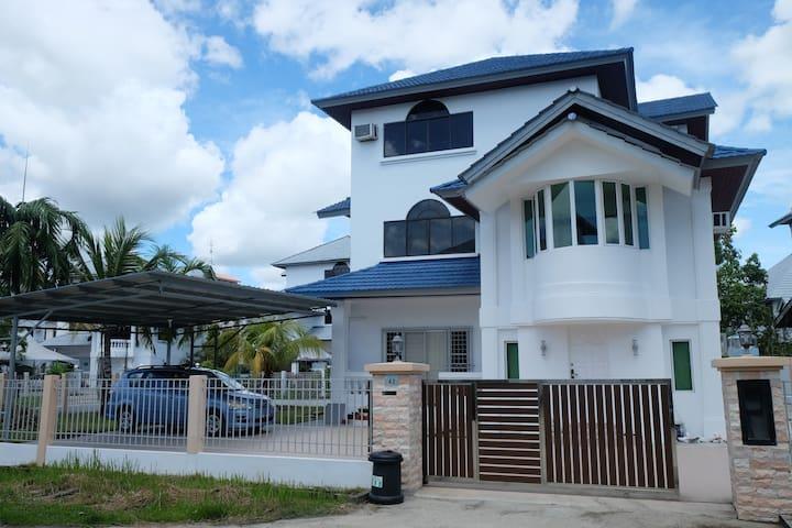 A Little Guest House (民宿)- Room 1 - Bandar Seri Begawan - Huis