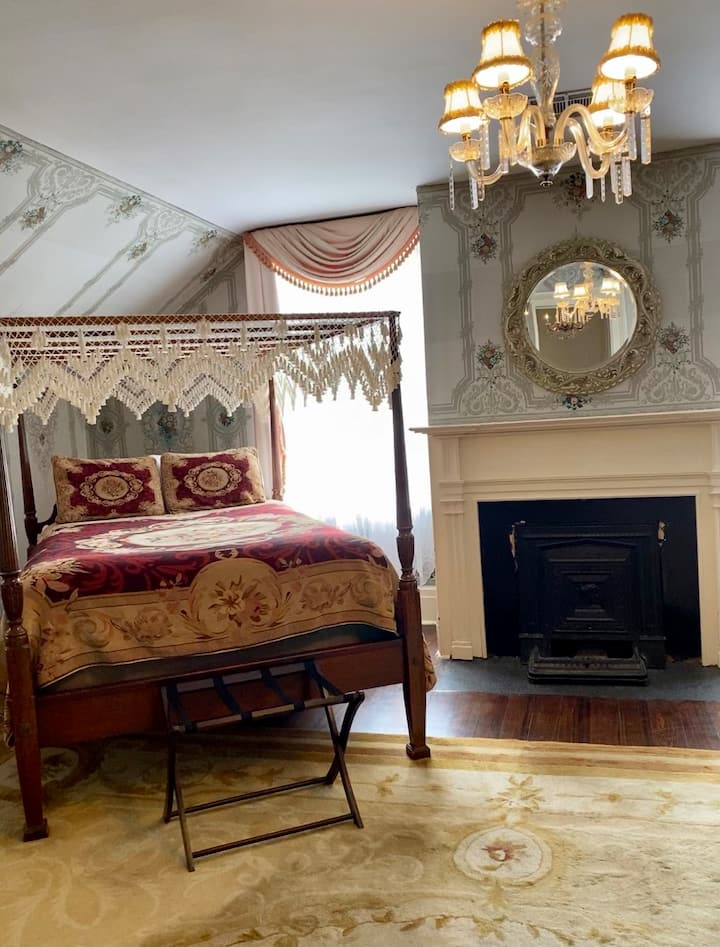 Judge Clarke Woodruff Suite at Myrtles Plantation