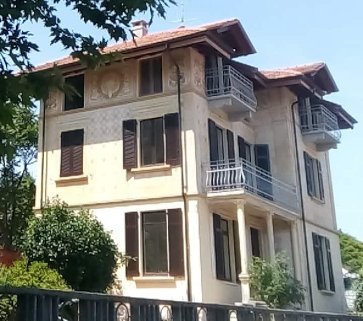 Villa Peachey in Stresa: Camera con terrazzo