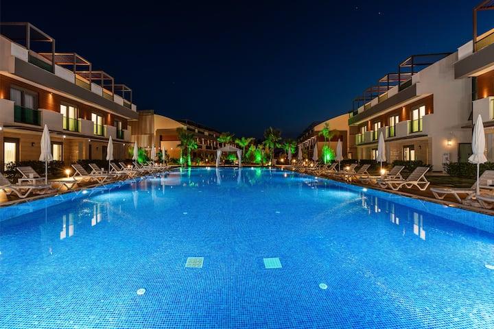 Glittering luxury apartments in Antalya