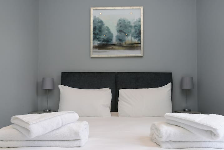Fresh and Inviting 2bed - Arena Apartments