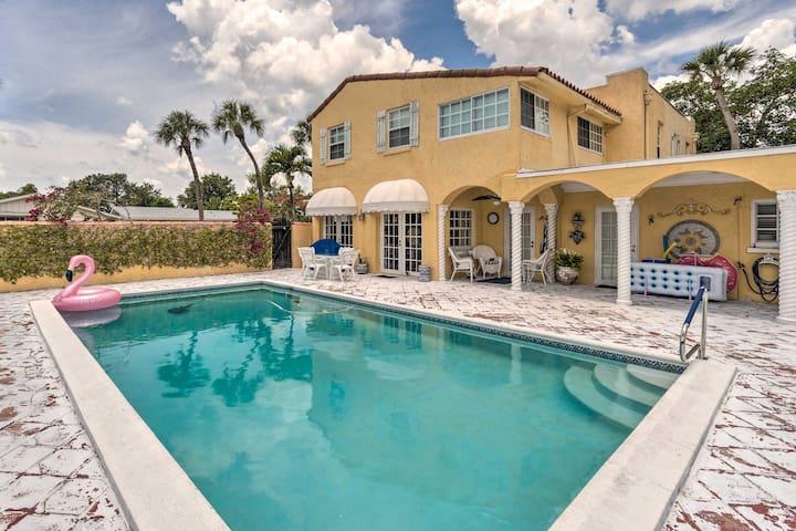 NEW! Poolside Simplicity: Sarasota Studio Cottage!