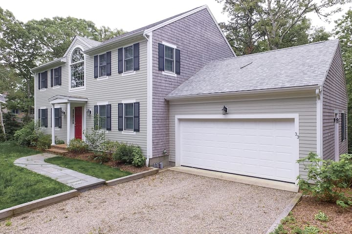 Large, updated home near the beach w/ deck & grill, perfect for a family!