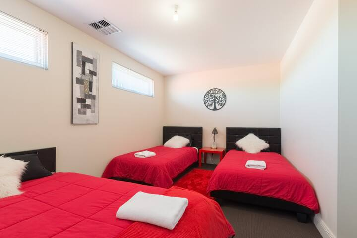 Spacious Apartment, longer stays welcome.  wi-fi