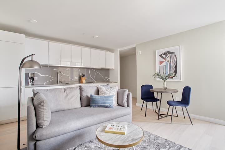 Beautiful Studio Near Battery Park | Discounted Rates Available