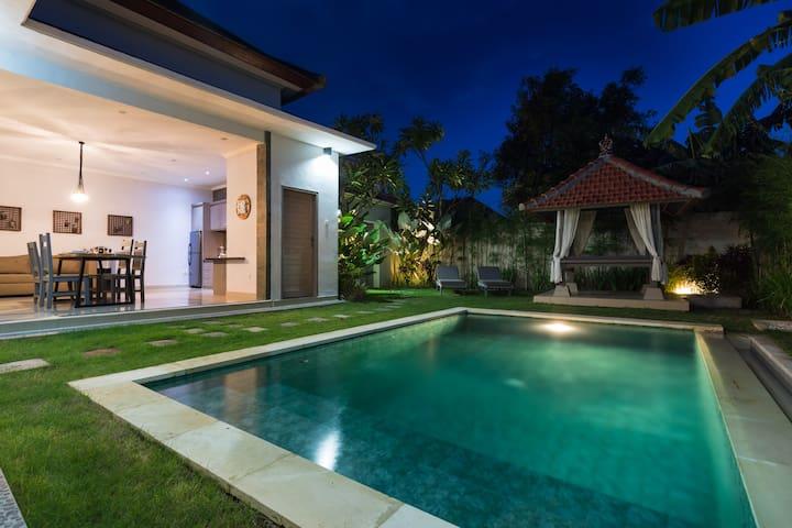 VillaTRETI - 2-Zimmer-Wohnung mit privatem Pool