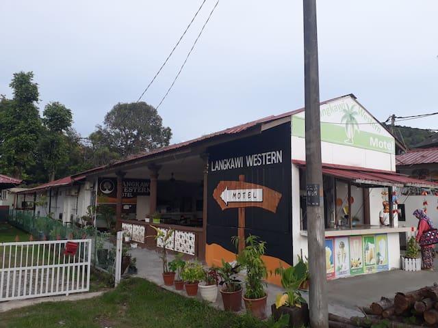 Langkawi western roomstay1