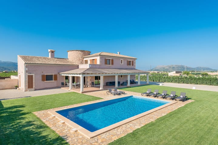 ES MOLI D'EN SION - Villa with private pool in Sa Pobla.