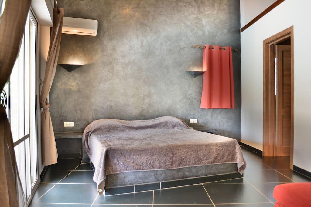 Chambre grise Villa Fraise