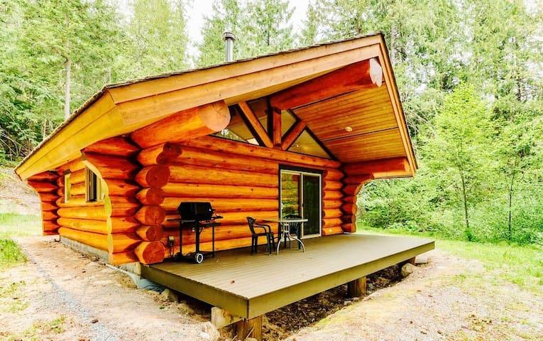 Lakefront Private Log cabin - The Osprey