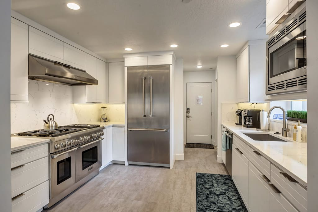 Commercial grade kitchen with everything you need to make culinary magic happen