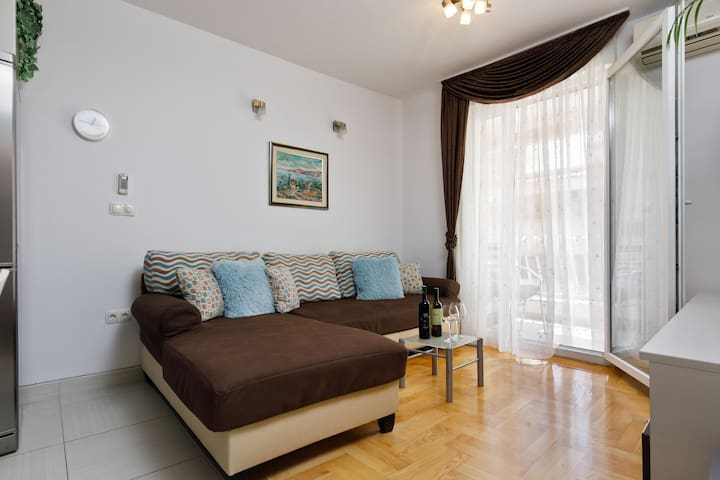 NEW APARTMENT NEAR OLD TOWN