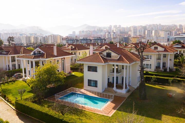 Trabzon Luxury  Villa - City Center - Private Pool