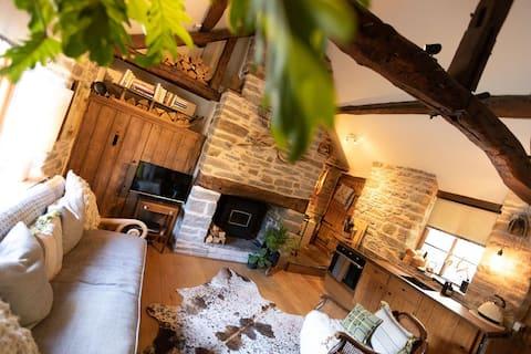 Charming blacksmith barn in Welsh border village