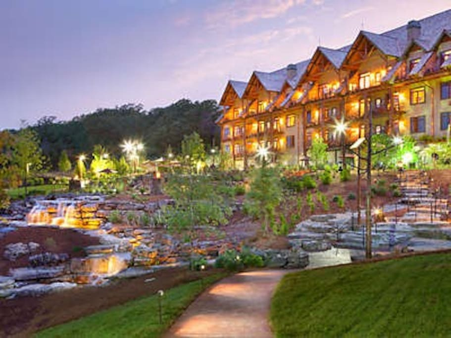 Beautiful Big Cedar Lodge is known for stunning setting.