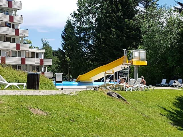 Außen Schwimmbad auf Resort