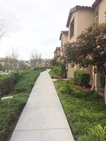 Large Condo in Eastlake - Chula Vista