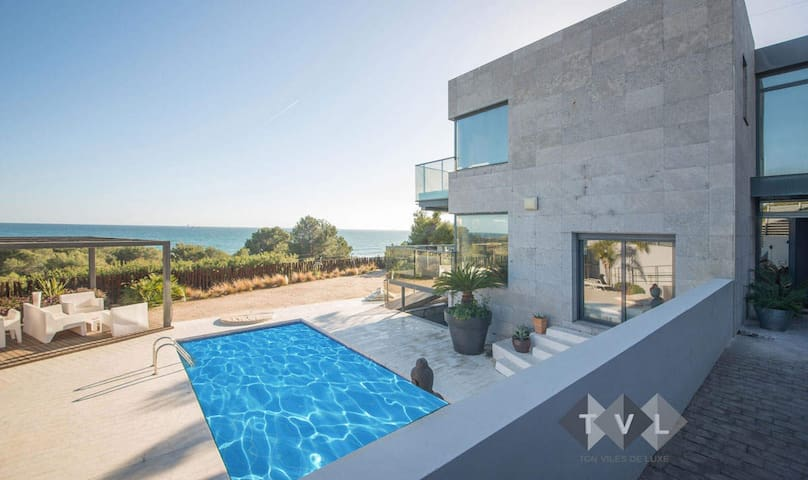 Chalet frente al mar Tarragona, piscina. 75 - Таррагона - Шале