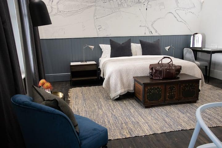 Heritage House: The Garden Studio Apartment Room 5
