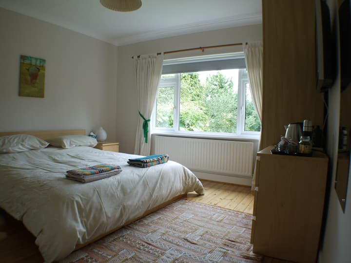 Large room close to Cambridge and the Science Park
