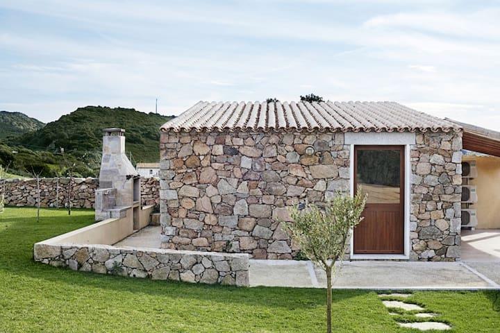 Tipico stazzo gallurese restaurato - Santa Teresa Gallura - House