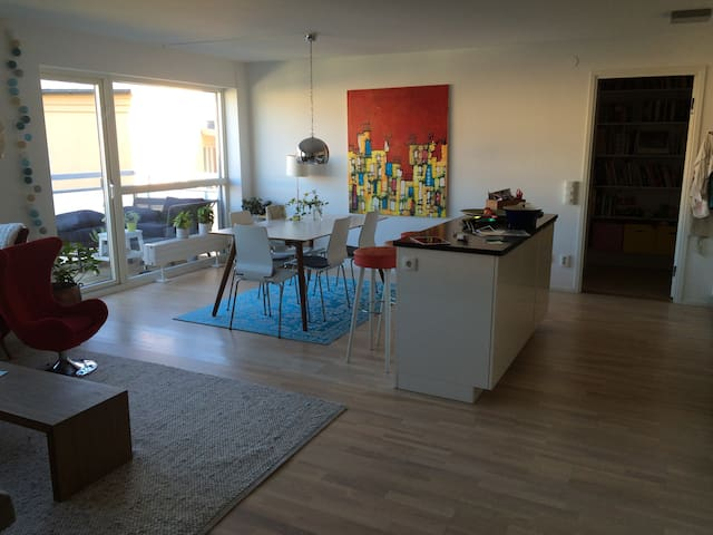 Family friendly 3BR apartment on lovely Södermalm - Stockholm - Apartment