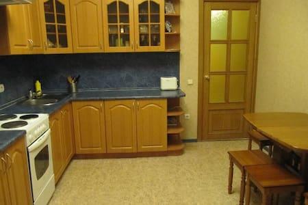 Комната по Лкраинки - Lakás