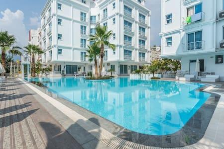 Marvelous flat in a quiet residence - Konyaaltı - 公寓