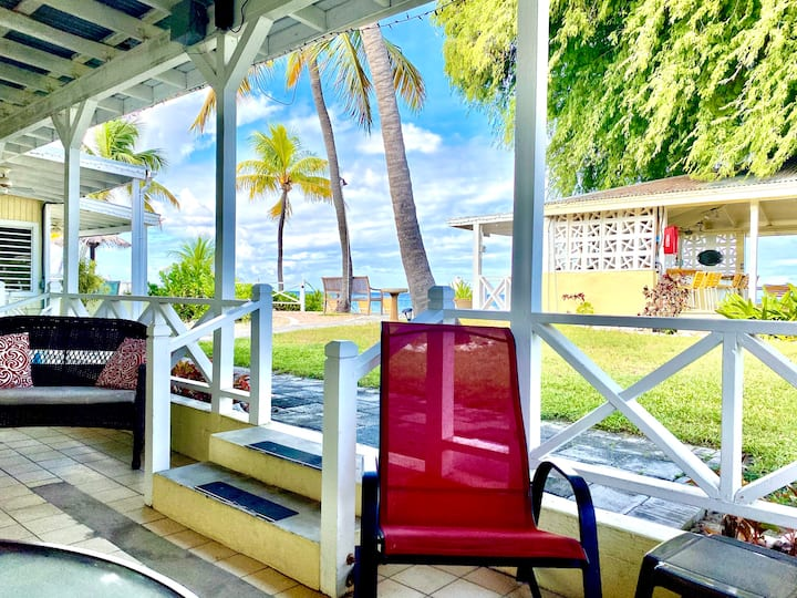 BEACHFRONT Cottage ****FULLY EQUIPPED KITCHEN****