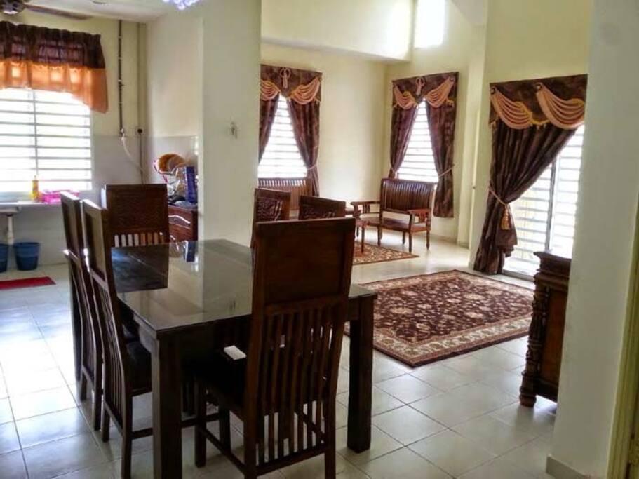 living room II / ruang tamu II