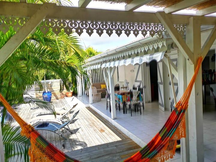 Villa de charme, jardin privatif, piscine, jacuzzi